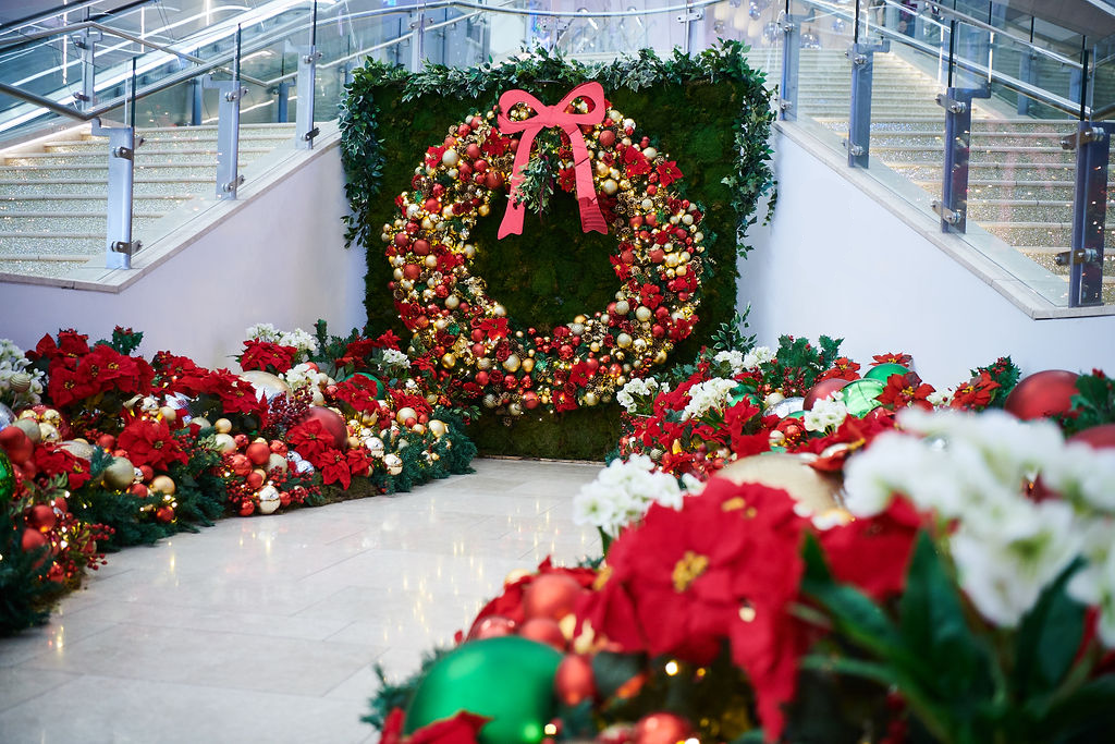 mistletoe moments - Christmas at ICON Outlet at The O2